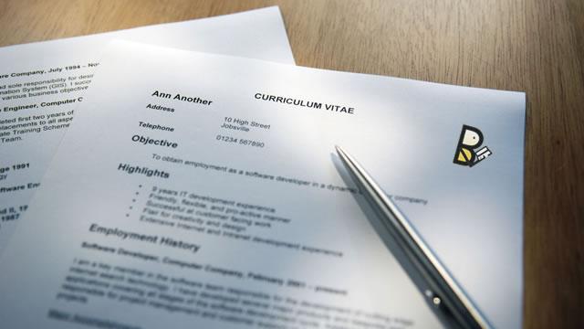 Membuat CV (Curriculum Vitae)